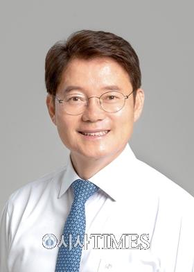 """김수흥 """"고소득사업자 번 돈의 절반만 세금 내…세금징수 의지 강화해야"""""""