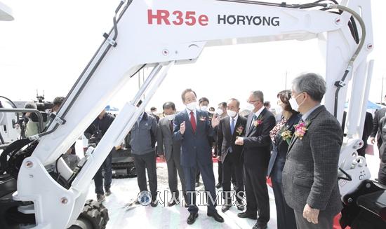 [포토뉴스] ㈜호룡 전기굴착기 양산공장 기공식 진행